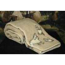 Beige lampailla kuvioitu lampaanvillainen shaali.