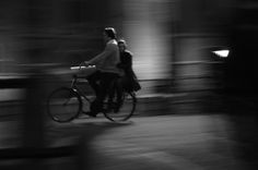Love in Amsterdam - black and white - photo by Alessia Viano #love #blackandwhite #fast #green #bicycle #love #photography