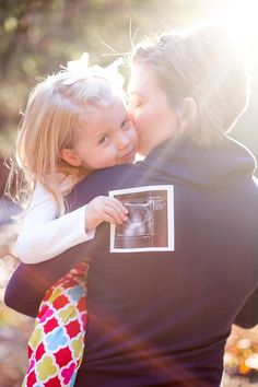 Adorable way to announce that you are expecting! Big-sis baby announcement