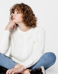 :BASIC CABLE-KNIT SWEATER