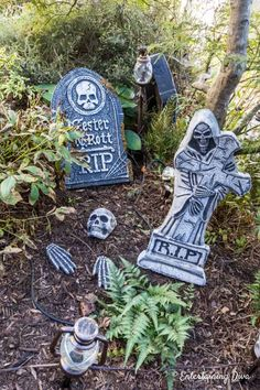 Great Halloween graveyard ideas for your front yard. I can't wait to set up a spooky outdoor yard haunt with skeletons, gravestones, lighting and critters. #entertainingdiva #halloween #yardhaunt #halloweendecor #diyhalloween