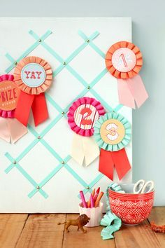 diy paper medallions for the 1st place blue ribbons to. Black Bedroom Furniture Sets. Home Design Ideas