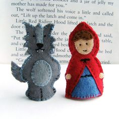 Little Red Riding Hood and the Big Bad Wolf finger puppets Felt Puppets, Felt Finger Puppets, Puppet Patterns, Felt Patterns, Animal Patterns, Felt Diy, Felt Crafts, Sewing Crafts, Sewing Projects