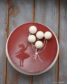 """402 Likes, 15 Comments - Регина Тригубенко (@remi.desserts) on Instagram: """"В последнее время пользуются спросом трафареты на завтра есть один свободный тортик МММ…"""""""