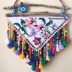 Diy Crafts Hacks, Diy And Crafts, Arts And Crafts, Yarn Crafts, Bead Crafts, Macrame Wall Hanging Patterns, Mobiles, Art Textile, Textiles