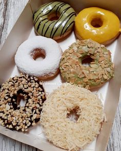 Eat Donuts and Lose Weight - All About Calories Delicious Donuts, Delicious Desserts, Yummy Food, Donut Recipes, Snack Recipes, Dessert Recipes, Cakepops, Food Gallery, Food Crush