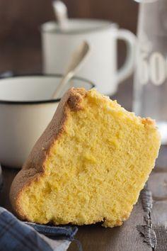 Pao de Lo - Gâteau portugais Portugalinbox.com Raw Food Recipes, Mexican Food Recipes, Sweet Recipes, Cake Recipes, Dessert Recipes, Cooking Recipes, Pan Dulce, Portuguese Recipes, Pie Dessert