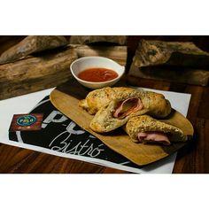 Hoy es un buen día para probar nuestros excelentes #PizzaRolls  De entrada de almuerzo de cena o simplemente como prefieras. Te esperamos!