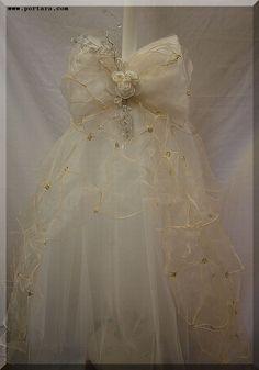 The Tradition of the Unity Candle Calla Lily Wedding, Rose Wedding, Elegant Wedding, Wedding Stuff, Wedding Ceremony, Wedding Crowns, Baptism Candle, Orthodox Wedding, Greek Wedding