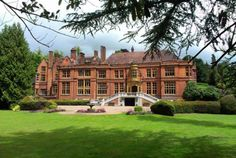 The ideal Surrey wedding venue at Woldingham School, Marden Park