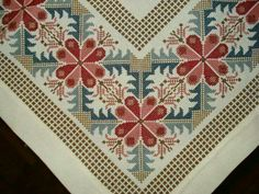 This Pin was discovered by NALTable runner, simple design but the fabric gives it that sparkle.s media cache originals 46 Cross Stitch Pillow, Just Cross Stitch, Cross Stitch Borders, Cross Stitch Designs, Cross Stitching, Cross Stitch Patterns, Hardanger Embroidery, Cross Stitch Embroidery, Embroidery Patterns