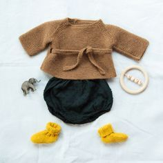 Totaly in loveTellement heureuse de ressortir ces petites merveilles happy Fashion Kids, Baby Girl Fashion, Look Fashion, Baby Outfits, Kids Outfits, Baby Kind, Baby Love, Baby Baby, Knitting For Kids