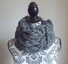Sciarpa infinity arm knitting  col. grigio e di Armonieinlilla