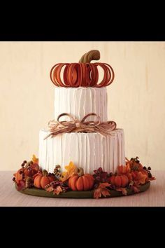 Awesome looking thanksgiving cake!.