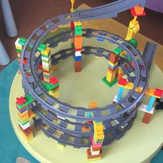 Lego-Duplo-Zug - Baby Spielzeug , લેગો-ડબલ-ઝગ # ડબલ, Source by annekathrindung. Train Lego Duplo, Lego Trains, Hama Beads Minecraft, Perler Beads, Toddler Toys, Toddler Activities, Kids Toys, Diy For Kids, Crafts For Kids