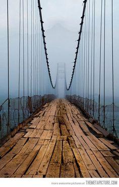 funny-bridge-old-photo-scary