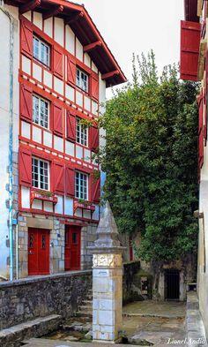 Images du Pays Basque: Patrimoine : la Fontaine de Ciboure