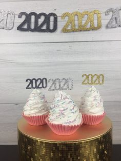 2020 Cupcake Toppers - New Years Eve Party - 2020 Graduation Party - Retirement Party - Year Cupcake Toppers - Donut Toppers - Food Picks