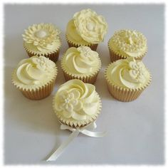 Delicious and beautiful Lemon Cupcakes, Yummy Cupcakes, Mini Cupcakes, Lemon Buttercream Icing, Kids Lemonade Stands, Natural Flavors, Just Desserts, Decorating, Food