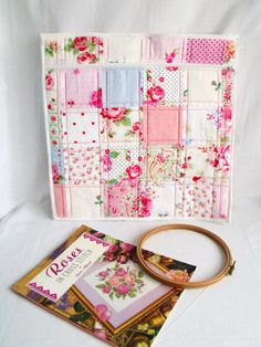 craft project bag colouring book storage by FingerPrickingGood