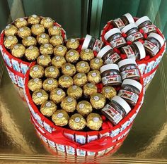 Over 100 Valentine's Day gifts for him that are just perfect – Hike n Dip - Nutella Nutella Gifts, Chocolate Gifts, Ferrero Nutella, Chocolate Cake, Valentines Sweets, Valentines Day Gifts For Him, Valentine Decorations, Best Valentine's Day Gifts, Sweet Box