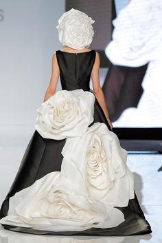 Isabel Sanchís 2018 Collection Barcelona Bridal Fashion Week