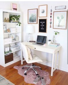 Most Popular Modern Home Office Design Ideas For Inspiration - Modern Interior Design Home Office Space, Home Office Design, Home Office Decor, Home Design, Office Designs, Design Ideas, Apartment Office, Office Furniture, Desk Space