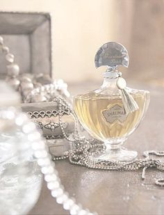 """scent of a woman"", fragrance"