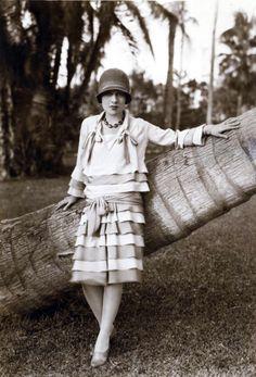 Anita Loos (author of Gentlemen Prefer Blondes) 1920s