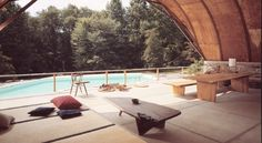 The Pool House, 1960 at George Nakashima´s studio and workshop in New Hope, Pennsylvania. / Nakashima Woodworker