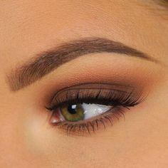 soft warm brown smokey eye makeup @taniawallerx3 - soo flattering!