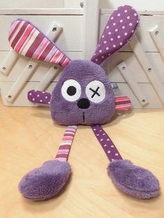 Doudou lapin violet pois rayures grandes pattes : Jeux, peluches, doudous par melomelie