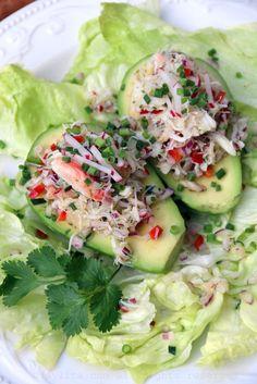 Aguacates con ensalada de cangrejo