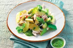 Insalata di pollo e avocado con salsa allo zenzero