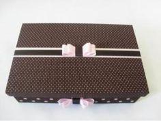 caixa-de-madeira-marron-com-poa-rosa_1337812104508_BIG