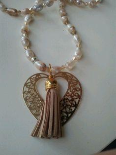 collana di perle con cuore dorato
