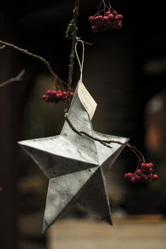 Kohotähti / 3-dimensional paper star Paper Stars, School, Christmas, Products, Xmas, Navidad, Noel, Natal, Gadget