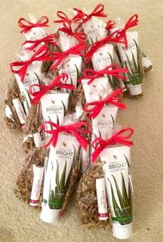 Beautiful products for Christmas www.uniquelyforever.co.uk Forever Life, Forever Young, Forever Freedom, Forever Living Business, Forever Living Aloe Vera, Presents For Friends, Forever Living Products, Aloe Vera Gel, Holidays And Events