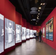 Image 24 of 53 from gallery of Charlie Chaplin Museum / Itten+Brechbühl. Photograph by Fernando Guerra Museum Exhibition Design, Exhibition Space, Design Museum, Exhibition Stands, Charlie Chaplin, Vevey, Interactive Exhibition, Museum Displays, Web Banner Design
