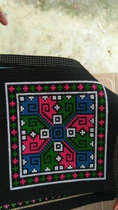 Cross Stitch Fruit, Cross Stitch Boards, Cross Stitch Heart, Cross Stitching, Cross Stitch Embroidery, Hand Embroidery, Cross Stitch Designs, Cross Stitch Patterns, Cross Stitch Silhouette
