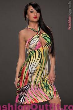 Rochiile sunt considerate articole vestimentare pline de feminitate, foarte lejere si comode, si sunt disponibile intr-o gama variata de modele si intr-o paleta Yellow, Stuff To Buy, Dresses, Fashion, Gowns, Moda, La Mode, Dress, Fasion