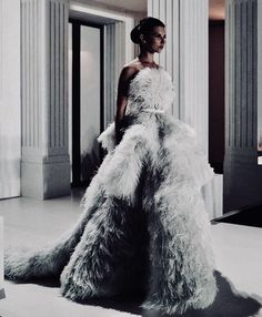 Couture Dresses, Fashion Dresses, Formal Gowns, Couture Collection, Passion For Fashion, Pretty Dresses, Beautiful Dresses, Couture Fashion, Runway Fashion
