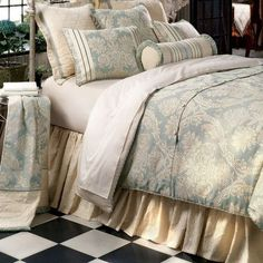 Eastern Accents Carlyle Comforter Collection