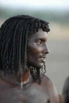 No this is not someone from Avatar, this is a Cushite nomad