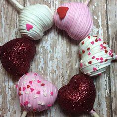 Valentine's Day Cake Pops   POPSUGAR Moms