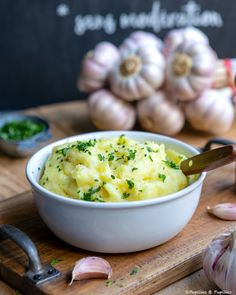 Purée de pommes de terre à l'ail rose de Lautrec et huile d'olive
