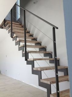 escalier metallique nantes loire atlantique escalier metal bois acier sur mesure fer 44 vendee 85 Escalier droit Wooden Staircase Design, Wooden Staircases, Outdoor Stairs, Banisters, Sweet Home, Home Decor, Outdoor Kitchens, Houses, Planks