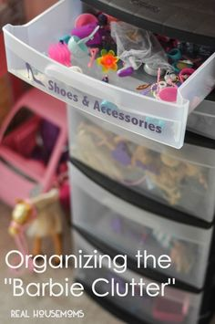 20 Brilliant Toy Storage and Organization Ideas Honeybear Lane Playroom Organization Brilliant Honeybear Ideas Lane Organization storage Toy Barbie Storage, Barbie Organization, Doll Storage, Kids Room Organization, Clothes Storage, Organizing Toys, Organizing Ideas, Lego Storage, Playroom Ideas