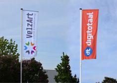 Na een aantal jaren simpele mastvlaggen was Velzart toe aan 2 mooie stoere baniervlaggen, eerst hebben wij de oude masten verwijderd en vervolgens nieuwe masten geplaatst met 2 banier vlaggen die ook zonder wind perfect leesbaar zijn.