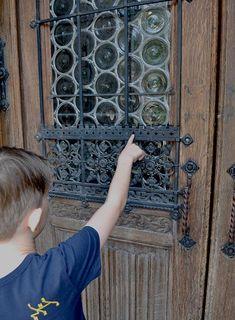 Klosterneuburg an einem sonnigen Freitagvormittag: Die Stiftskirche steht heute auf unserem Programm. Kirchen, Home Decor, Pilgrims, Decoration Home, Room Decor, Home Interior Design, Home Decoration, Interior Design